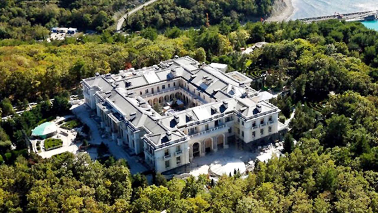 Kremlin refused to name the owner of the palace in Gelendzhik