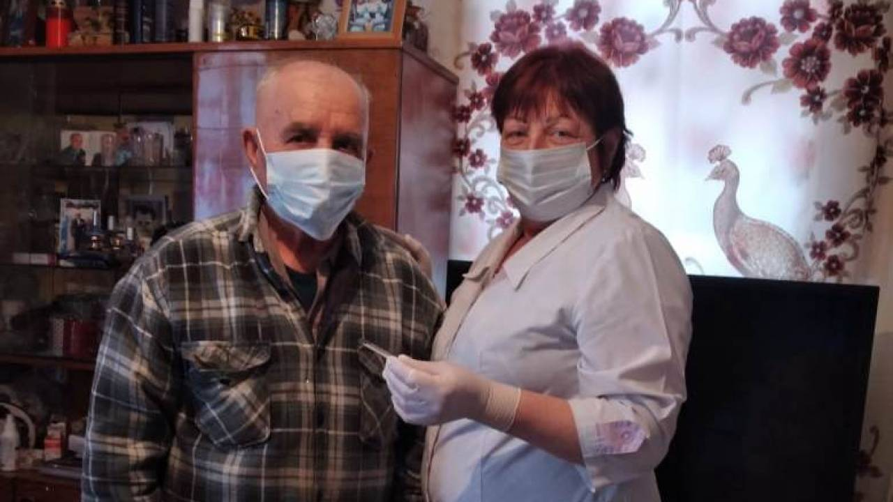 A 90-year-old veteran of the home front was vaccinated against covid in Pavlodar region