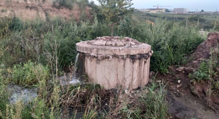 A three-year-old child fell into a septic tank in Uralsk